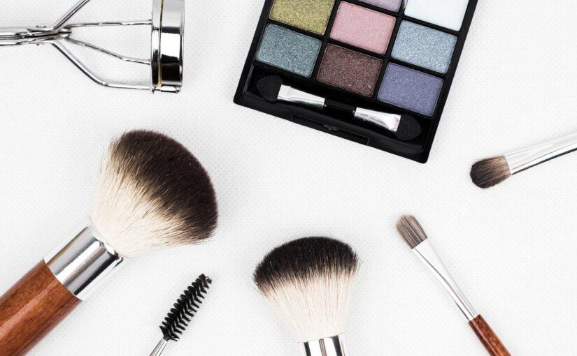 Pędzle do makijażu – niezastąpione akcesoria